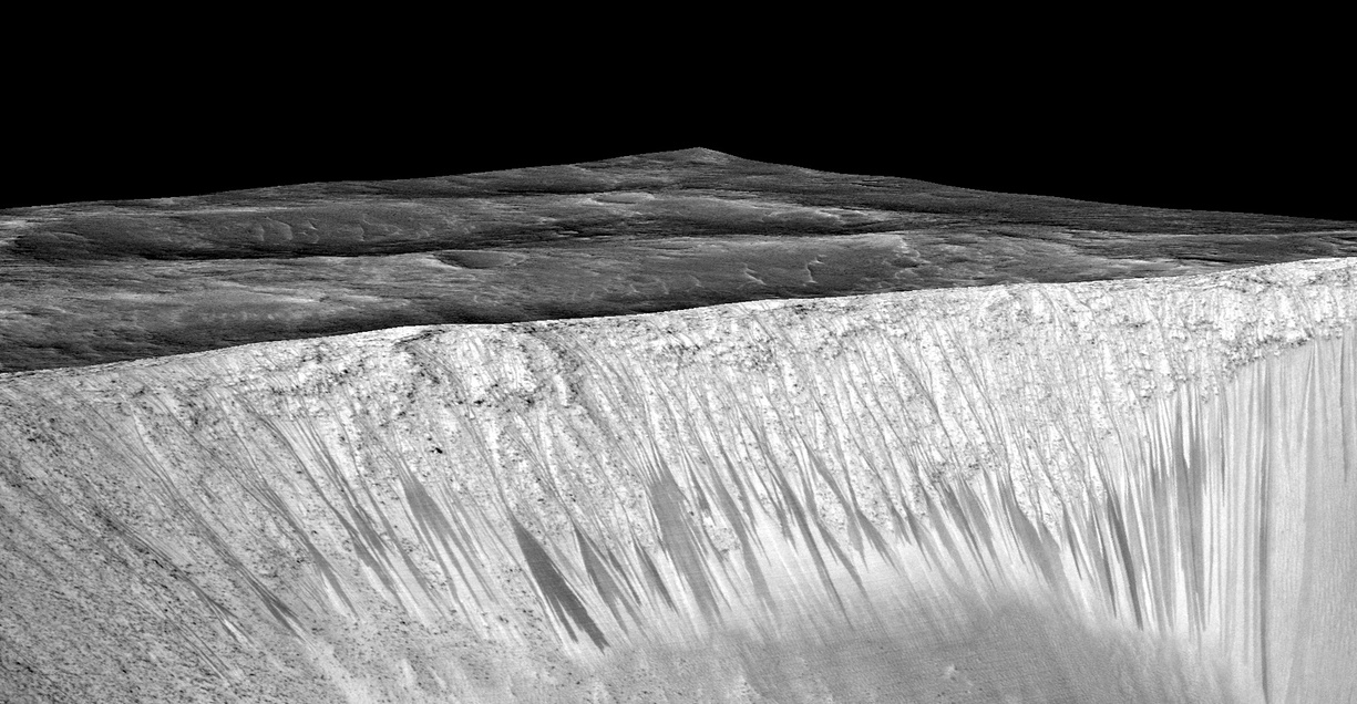 Mars water; Mars Reconnaissance orbiter/University of Arizona/JPL/NASA
